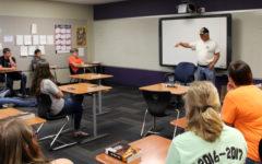 Veteran speaks to English classes
