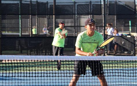 Tennis team advances to area play
