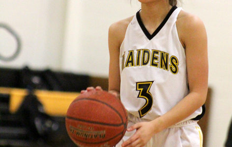 Freshmen Maiden basketball team ends season with win