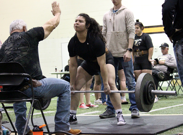 Winning+weight--%0AWith+340+pounds+in+the+deadlift%2C+junior+Siria+Martinez+wins+the+home+meet+in+January+in+the+181-pound+division.+Martinez+is+currently+ranked+second+in+the+region%2C+trailing+first+place+by+75+pounds.